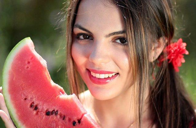 Cum sa alegi un pepene rosu copt si dulce: 7 metode care nu dau gres