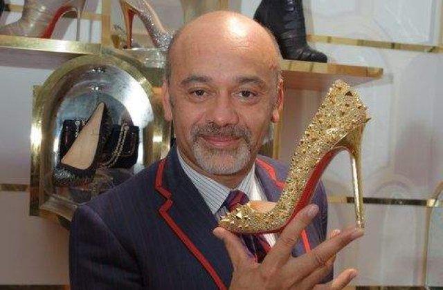 `Tatal pantofilor de lux` sarbatoreste 20 de ani de moda