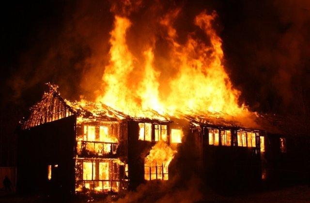 Cauza incendiilor din Grecia a fost stabilita. Ce arata raportul Departamentului de pompieri