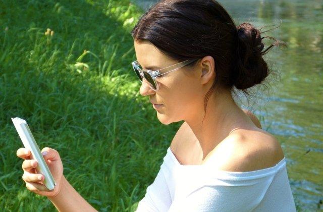 8 semne care indica dependenta de retelele sociale