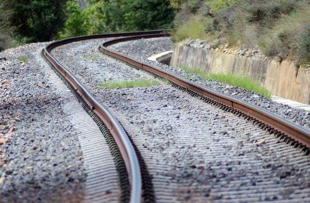 Un barbat din Iasi a murit dupa ce s-ar fi aruncat in fata unui tren