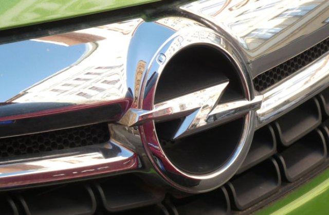 """Presa germana: """"Opel va reduce productia la 2 fabrici din cauza vanzarilor slabe"""". Constructorul sustine ca sunt """"ajustari planificate"""""""