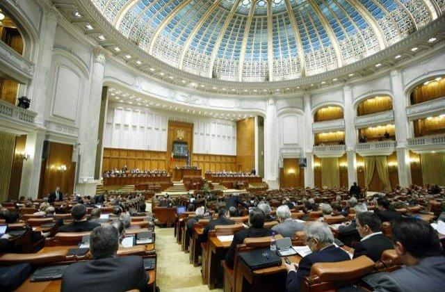 Opozitia face regulile in Senat