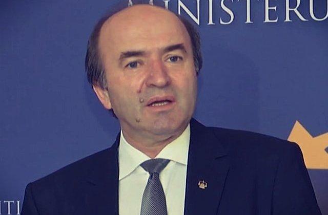Ministrul Justitiei incepe evaluarea procurorului general Augustin Lazar
