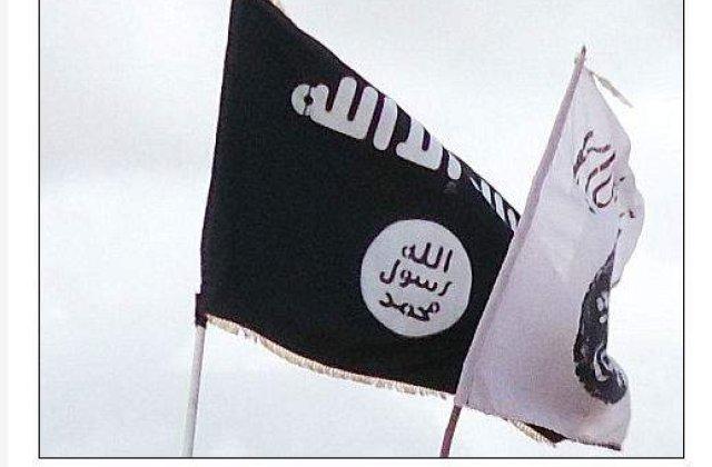 Drapelul al-Qaeda, arborat in Libia