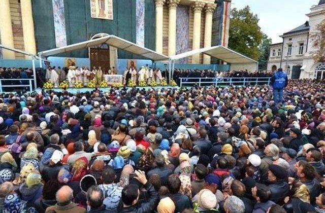 Pelerinii care vin pentru hramul Sfintei Parascheva se vor putea inchina si la moastele Sfintei Ecaterina