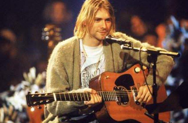 Cat costa o bucata din chitara lui Kurt Cobain?