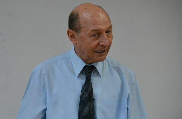 Basescu, despre sistemul special de pensii: Proiectul noii legi mentine furtul din banii publici in favoarea unor categorii bine selectate