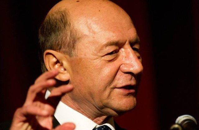 Traian Basescu: Schimbati mumia de la Ministerul de Externe