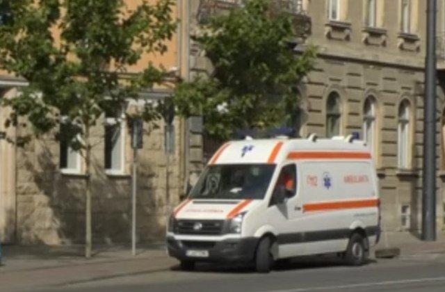 Un motociclist a murit dupa ce a fost lovit de o masina condusa de un preot