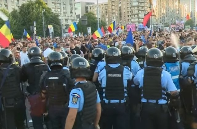 Noi arestari in urma violentelelor de la mitingul din 10 august: Doi protestatari, retinuti
