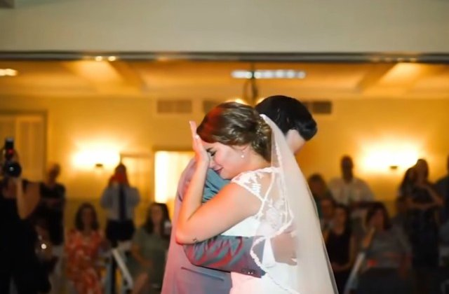 Cum si-au surprins cinci frati sora in ziua nuntii / VIDEO