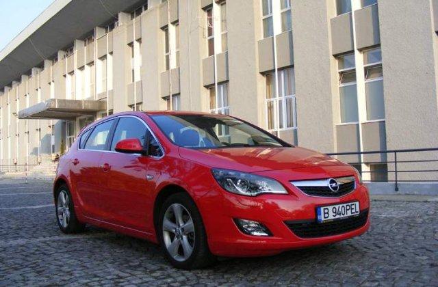 Drive test: Opel Astra 1.4 Turbo - Performante cu consum mic