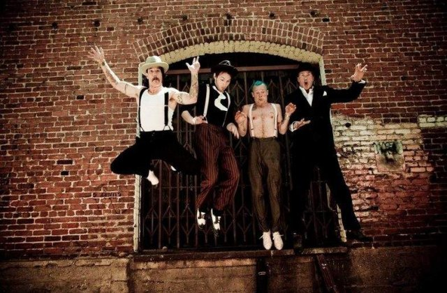 Este oficial: Red Hot Chili Peppers canta in Romania