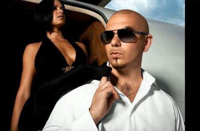 [VIDEO] Pitbull le jigneste pe romance