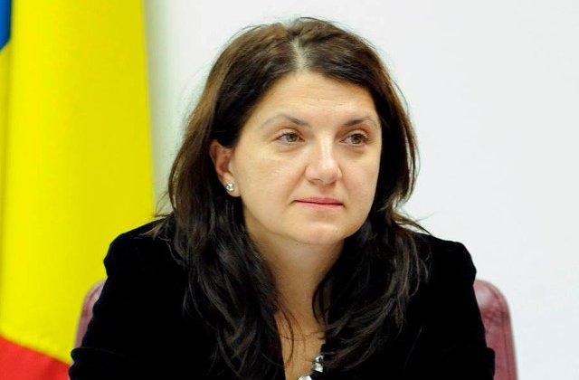 Raluca Pruna: Tudorel Toader sa vina sa ne lumineze si sa spuna care sunt temeiurile juridice pentru revocarea procurorului general