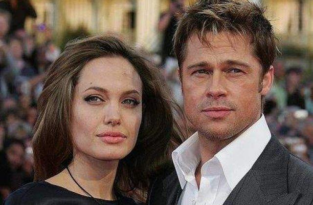 Cvadruplu impact: Brad si Angelina vor avea gemeni