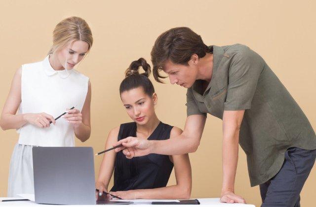 8 probleme personale pe care sa nu le impartasesti colegilor la locul de munca