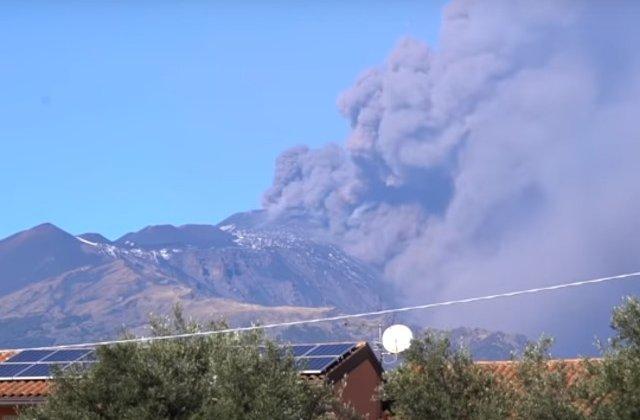 Regiunea vulcanului Etna, care a erupt luni, zguduita de un seism cu magnitudinea 4,8