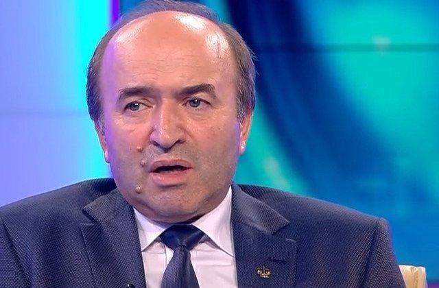 Toader: Ministerul Justitiei nu transmite proiectele de lege direct la Parlament