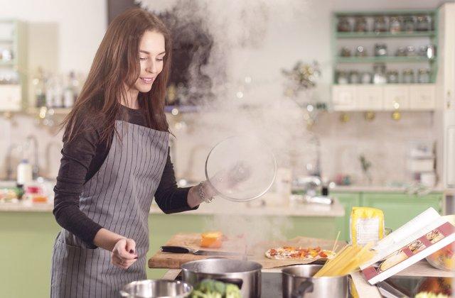 5 reguli de urmat in bucatarie pentru a prepara corect si sanatos alimentele