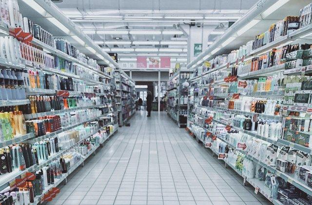 Amenzi de 18,8 mil. de euro pentru Auchan, Cora si Carrefour si furnizori ai acestora, pentru fixarea preturilor