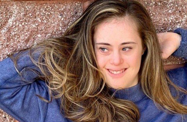 O tanara cu sindrom Down, campioana la gimnastica, a devenit model / VIDEO