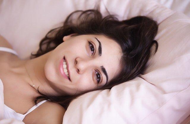 Somnul prelungit in weekend nu compenseaza orele de odihna insuficiente din cursul saptamanii