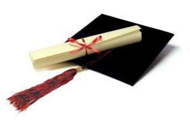 Iasi: Mii de studenti s-au trezit cu diplome false