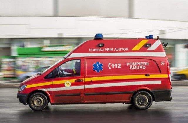 O femeie din Prahova a murit dupa ce a fost lovita de o tabla smulsa de vant