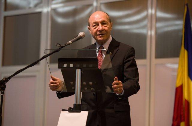 "Basescu, dupa ce Toader a retras acreditarea unor jurnalisti: ""Tudorel a luat-o razna. Revino-ti omule!"""