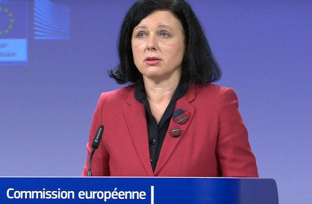 Comisar european pentru Justitie: Anchetarea Laurei Kovesi reprezinta o piedica in competitia pentru postul de procuror-sef european