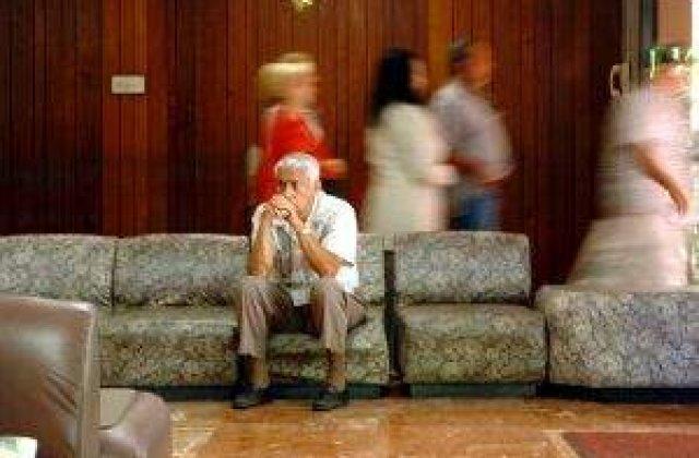 Mii de psihologi, obligati sa-si infiinteze cabinete individuale