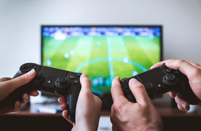 Casti de gaming care vor aduce orice joc la realitate