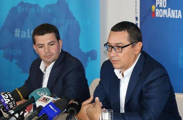 """Adrian Porumboiu: Daniel Constantin este un spagar. Ponta - """"agent SIE"""""""