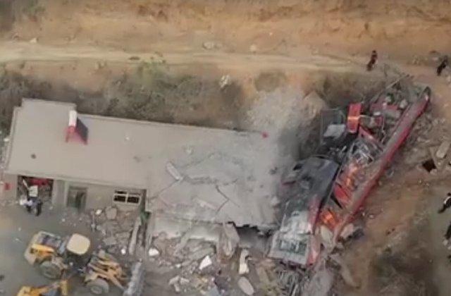 6 oameni au murit dupa ce un tren a deraiat si a intrat intr-o casa/ VIDEO