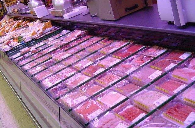 Pretul carnii de porc si de pasare va creste cu inca 30-40% in perioada imediat urmatoare