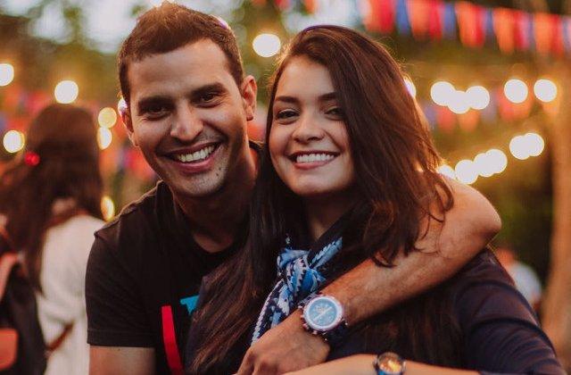10 intrebari pe care sa i le pui partenerului pentru a-i testa loialitatea