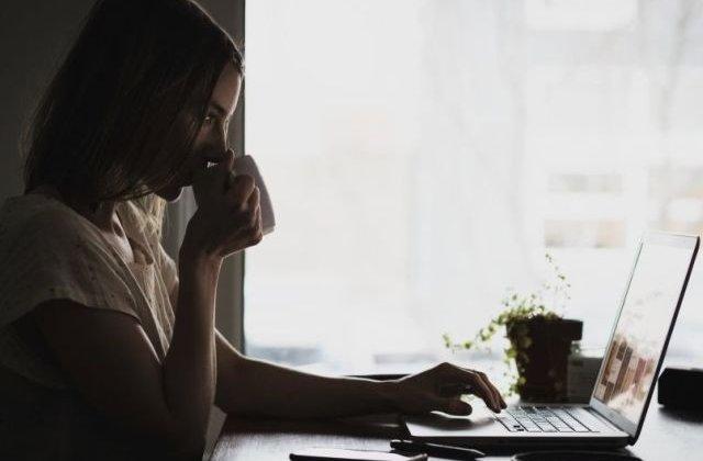 Studiu: O treime dintre utilizatorii de Internet si-ar vinde datele personale unei persoane necunoscute