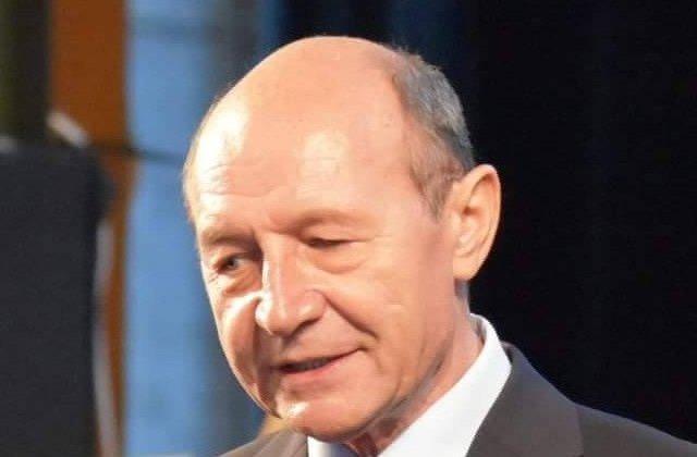 Basescu, despre acuzatiile de colaborare cu Securitatea: Nu va fi gasit un angajament