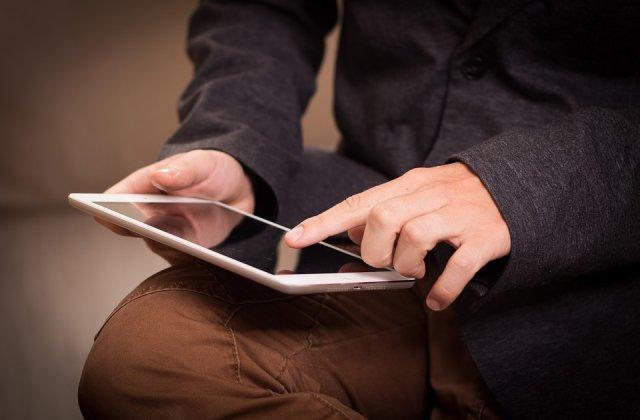 Stock Busters: reduceri de peste 50% la telefoane, tablete & gadgeturi