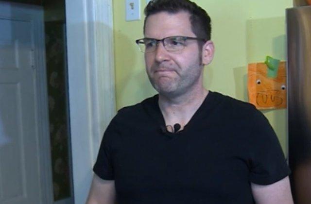 Un barbat sustine ca un strain i-a intrat in casa si i-a facut curatenie in camere