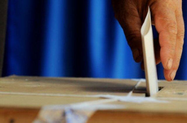 A fost atins pragul de prezenţă de 30% la referendumul pe justitie