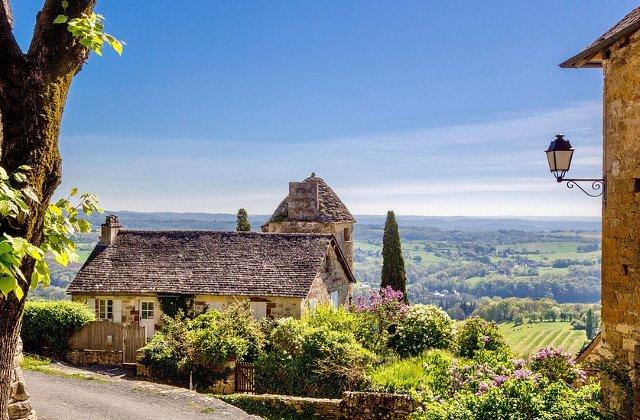 Un primar din Franta vrea sa inscrie in patrimoniul national zgomotele din localitatile rurale