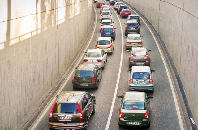 Studiu: 30% dintre masinile rulate cumparate in Romania, in primele 5 luni, aveau kilometrajul dat inapoi: clientii cu buget sub 10.000 euro au sanse mai mari sa fie inselati