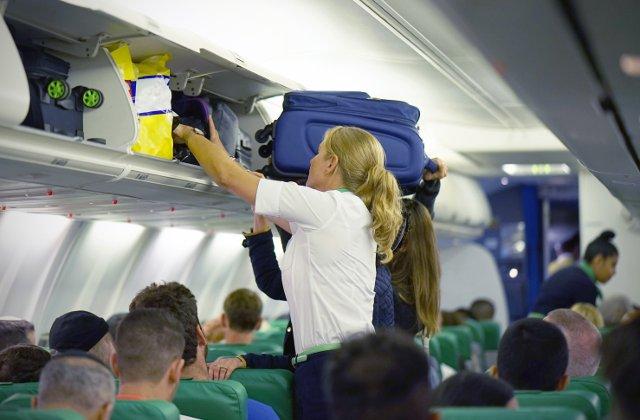 Ce ai voie in bagajul de mana: 10+ obiecte pe care le poti lua cu tine in avion