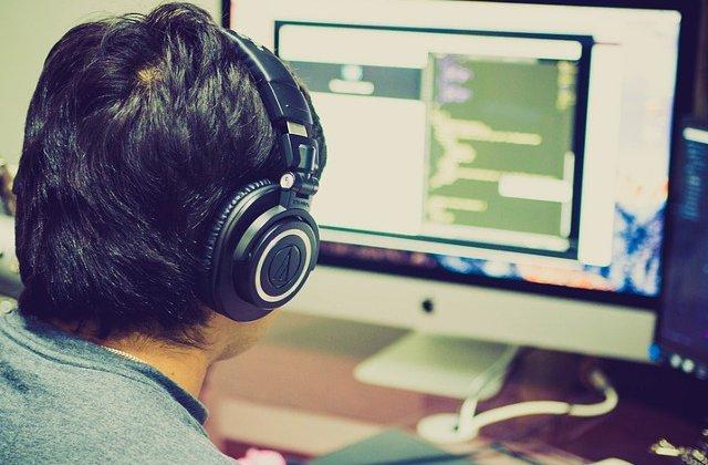 Monitoare de gaming: bune nu doar pentru jocuri, dar si productivitate
