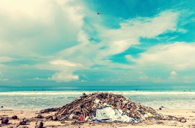 Bali interzice in totalitate folosirea produselor din plastic de unica folosinta