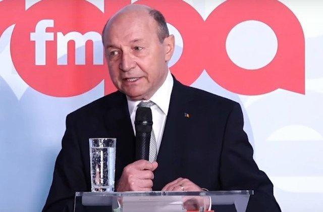 Basescu: Macron si Merkel, folosindu-l ca paravan pe Donald Tusk au reusit sa scoata Estul Uniunii Europene in afara UE