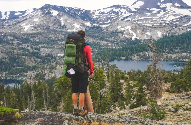 Ce sa iti iei in bagaj la munte: 10+ obiecte care sa nu-ti lipseasca